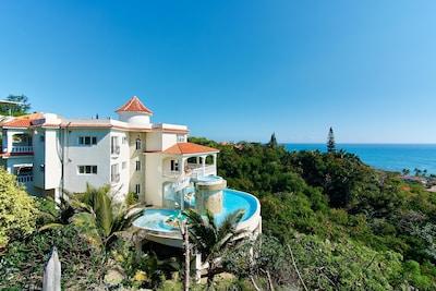 James Bond villa