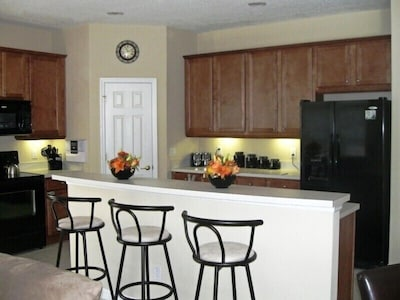 Luxury open plan Kitchen with Butlers pantry and Music / Intercom system
