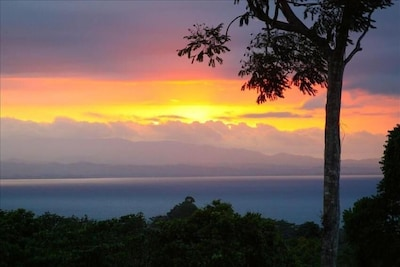 Just one of the many amazing sunsets from the hilltop view. Pura Vida!