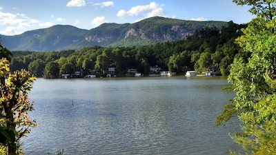 Beautiful view of mountains and lake from cozy cottage!