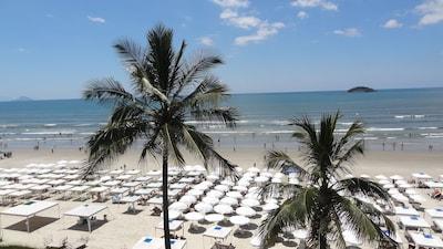 Excelente apto. Com 135 m2 a 70 mts. do mar, Riviera de São Lourenço- Wifi