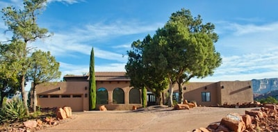 This comfortable Sedona villa on 2 acres sleeps up to 12 people.