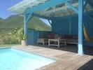 Le carbet, un vrai espace à vivre, au bord de la piscine, le Rocher plein la vue