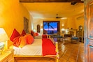 Sunshine and Happiness! Double Queen Suite opens to Pool and Beach
