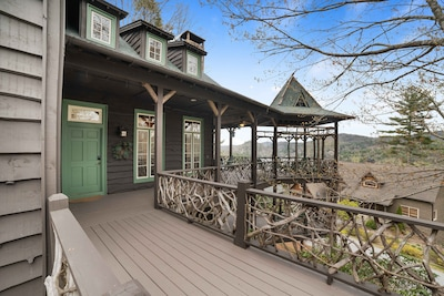 Welcome to Treetop...and to the Smoky Mountains and Lake Glenville!