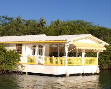 Lovely Cottage on Stilts