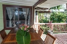 Outdoor dining and fresh air on the spacious lanai