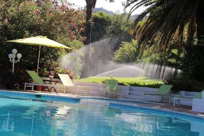 Magnífica villa con jardines y piscina en Costa del Sol, cerca de golf y del mar