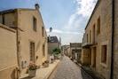 Rue Torteron / En contrebas accès à pied aux commerces et restaurants du port