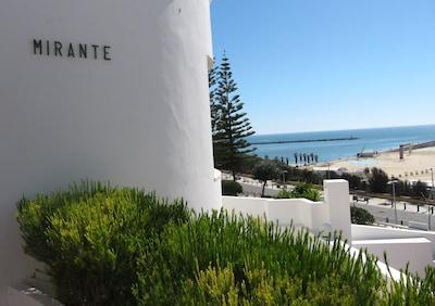 Façade de la Villa Mirante avec son nom