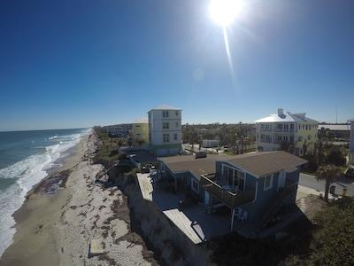 Amazing Apartment On the Beach