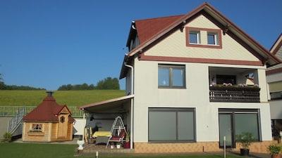 Gästehaus mit Aussenanlagen