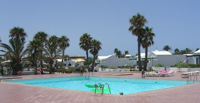 The communal swimming pool at Jardin del Sol