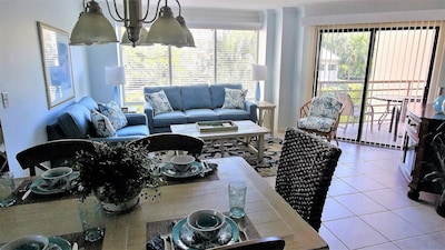 Comfortable, bright and airy remodeled living/dining area