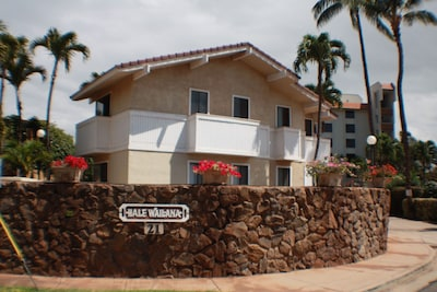 Hale Wailana is a small complex of only 6 units. Very quiet, in a great location