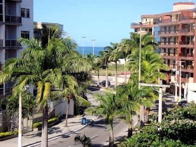 Apto de 03 quartos em frente a Praia do Forte - 1 suite