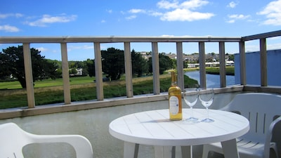 Waterside Cottage, River Views, Cycling on Camel Trail, Free WiFi, Cornwall