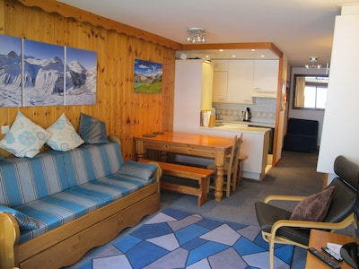 Comfortable and well equipped lounge