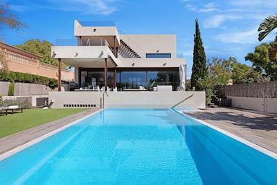 Minimalist villa BBQ Beach of Palma Mallorca,  heated pool optional