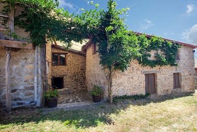 Regina Viarum Winery, Sober, Galicia, Spain