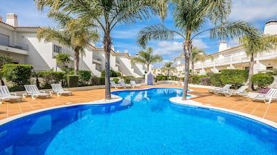 3 Bedroom Luxury Holiday Villa w/ Pool in Boliqueime near Vilamoura, Golf nearby