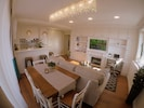 Living area - dining area combination