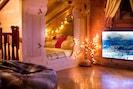 Alcove double bed on mezzanine with  sliding doors,  4K TV + WiFi