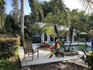 Come Relax!  Fully Equipped Pool House!