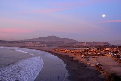 Amarilla Beach, Concon, Chile