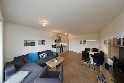 Wohnzimmer - Blick von Balkontür