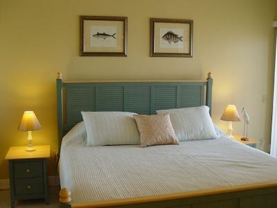 Master bedroom-king size bed