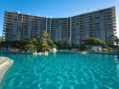 Large Lagoona Pool