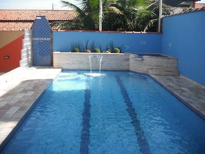 Linda Casa com Piscina * Itanhaém * 30m Praia * Wi-fi Gratuito *Lazer e Descanso