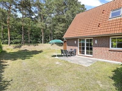 Bösel Dorfpark, Boesel, Niedersachsen, Deutschland