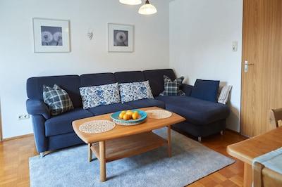 Ferienwohnung Anna für 1-4 Personen mit 2 Schlafzimmern und Balkon-Wohnzimmer