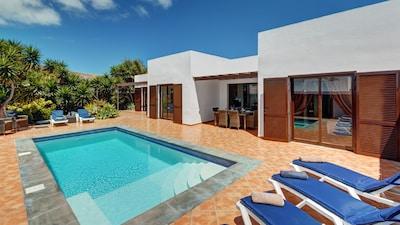 Villa privada con piscina climatizada eléctricamente