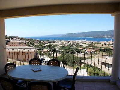 vue de la terrasse et du salon