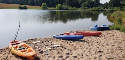 SWIM AND KAYAK ON THE SMALL LAKE!