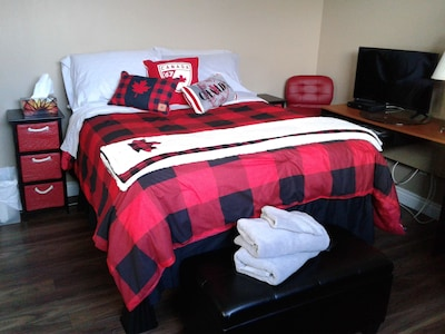 You're Always Home 6 - Double Bed/Continental Breakfast - SEMI PRIVATE