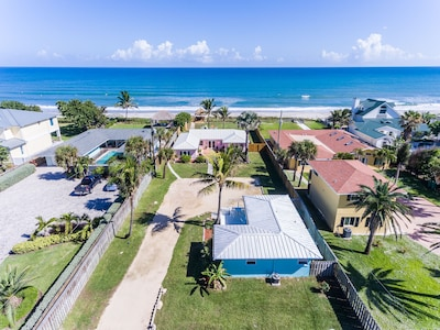 With this listing you rent the ENTIRE property (both the blue and pink houses)