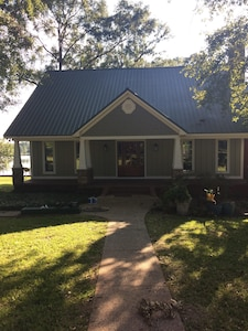Front view of Lake House on Acorn Ridge Road, Lucedale, MS