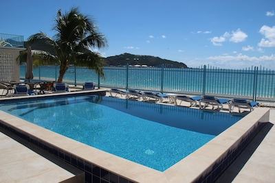 The best place to spend the day is 30 feet from your your ocean lanai.