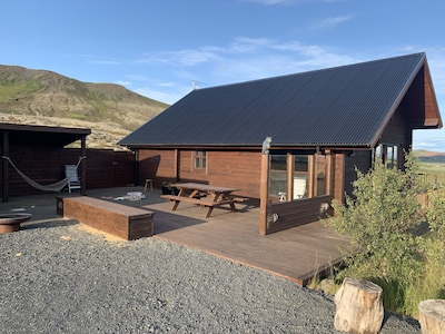Classic and cosy Log Mountain Cabin on the Golden Circle