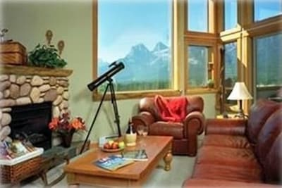 Designed with comfort and that mountain feel.  Gorgeous mountain views