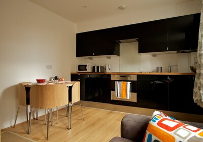 Contemporary & Modern Kitchen