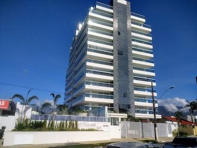 SENSACIONAL - APTO DE ALTO PADRÃO DE FRENTE PARA O MAR