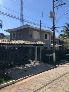 Aluguel de casa em Toque Toque Grande - São Sebastião (Litoral Norte de SP)
