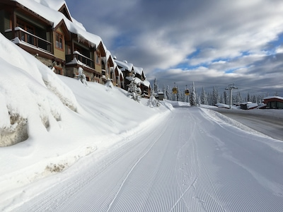 Easy Ski-out (facing uphill) from the rear of Blacksmith Lodge.