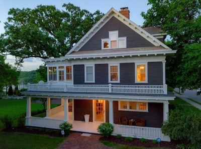 Historic Classical Revival architecture creates unique experience.