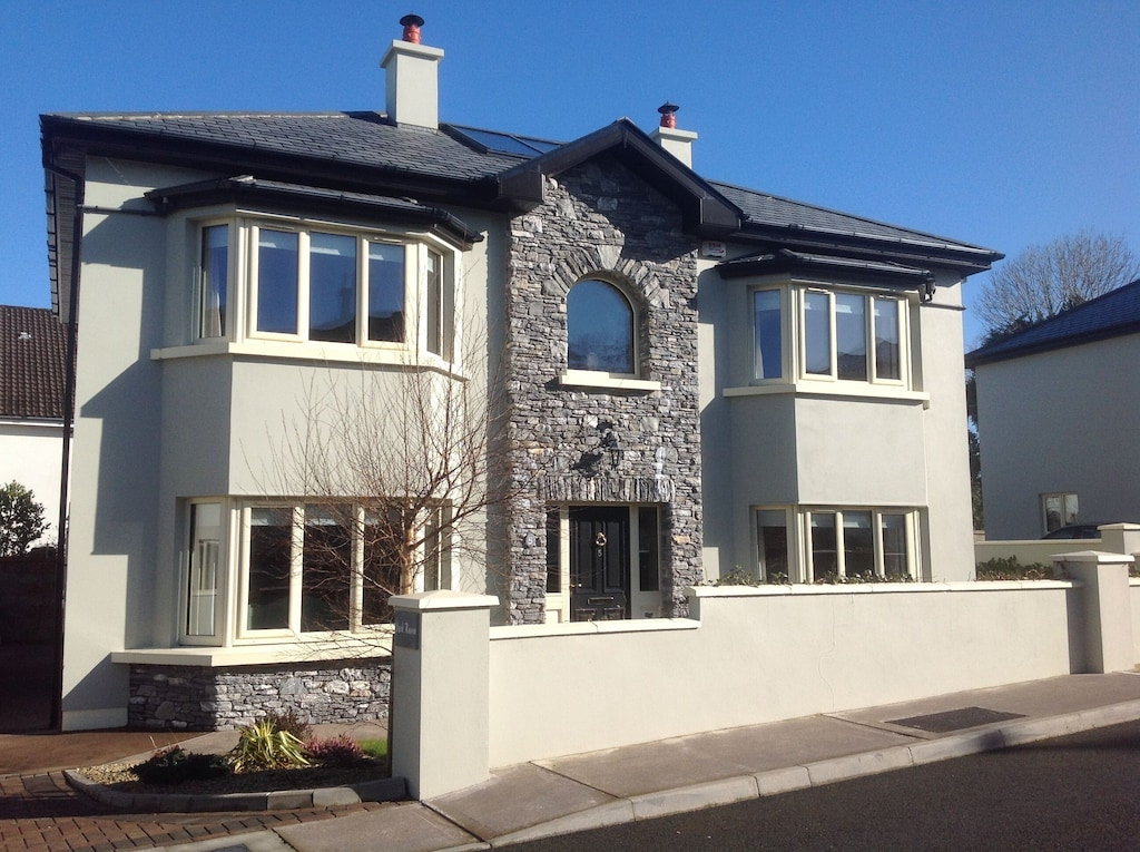 Luxury Home Adjacent T National Park Priv Parking 4 Cars 4 Mins Walk Town Cent Killarney